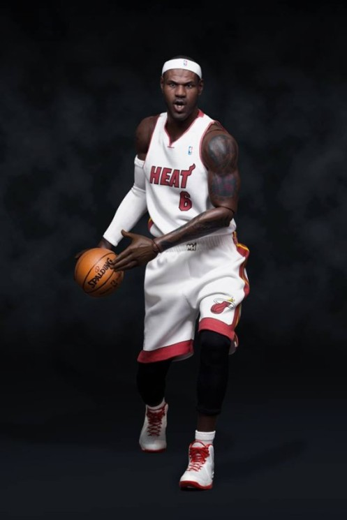 lebron-james-1-6-scale-figurine-by-enterbay-04-570x855