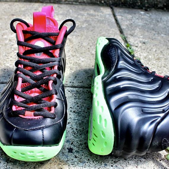 "Nike Air Foamposite One – ""Yeezy 2 Black Solar Red"" Customs  00c819770"