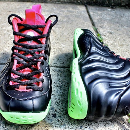 nike-air-foamposite-one-air-yeezy-2-black-solar-red-customs-by-hippieneal-05